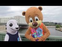 Bonnie the seal meets Berlino